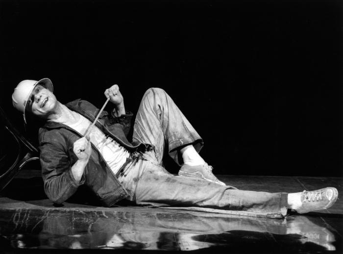 © Luigi Ciminaghi/Piccolo Teatro di Milano – Teatro d'Europa L'anima buona di Sezuan, 1980-81 Massimo Ranieri