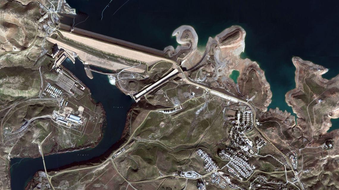 La diga di Mosul vista dal satellite