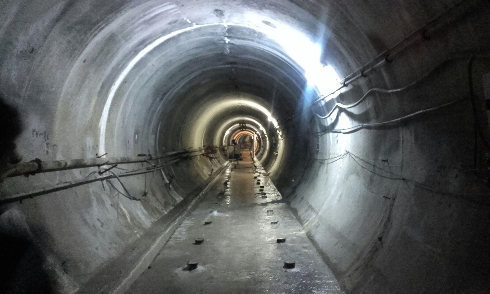 Uno dei tunnel che corrono sotto la diga di Mosul