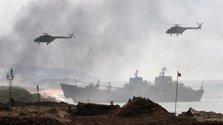 Marina russa conduce operazioni di sbarco in Crimea