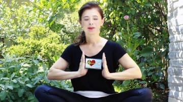 yoga-2433176_1920