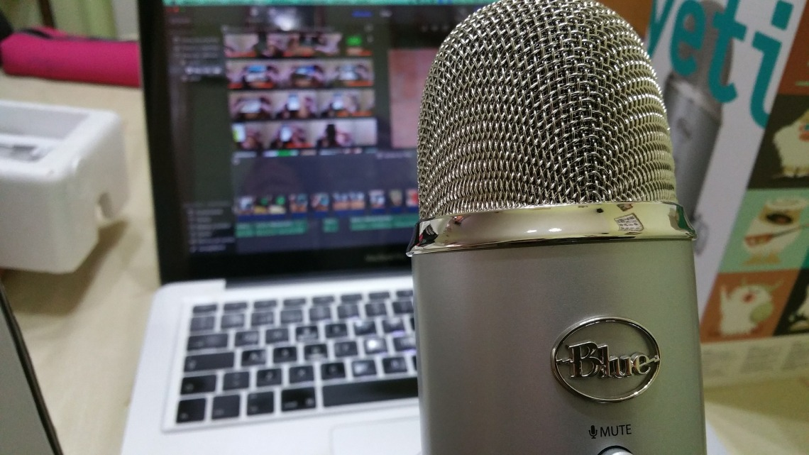 microphone-639192_1920