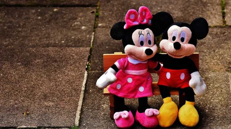 mickey-mouse-1776689_1920
