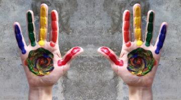hands-3457023_1920