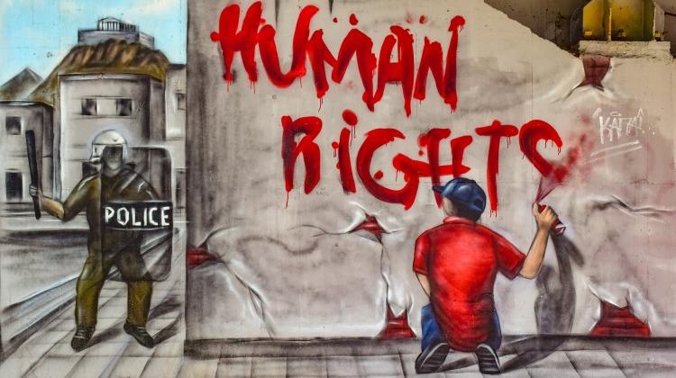 human-rights-4158713_1920