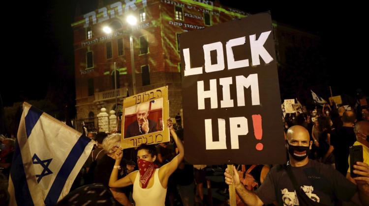 Israele, nuovo lockdown tra proteste e critiche a Netanyahu