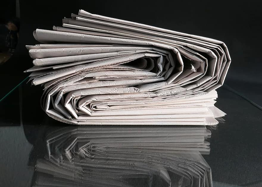 paper-education-journalism-dom-of-the-press-article-company-magazine-journalist-newspaper