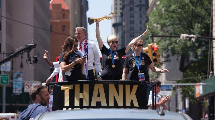 By Anthony Quintano from Hillsborough, NJ, United States - The United States Women's Soccer Team Ticker-Tape Parade New York City, CC BY 2.0,